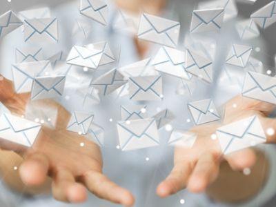 Emailing © sdecoret  / fotolia.com