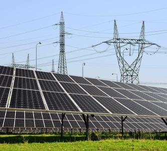 Solar panels (© Vencav / Fotolia.com )