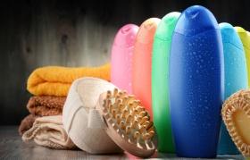 Shampoo Market (© monticellllo / Fotolia.com)