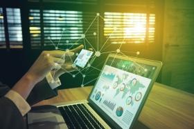 financial technology concept (© chombosan / Fotolia.com)
