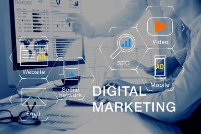 Digital marketing with ads. (© NicoElNino - Fotolia.com)