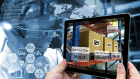 Industry 4.0 , Augmented reality and smart logistic concept (© zapp2photo / fotoilia.com)