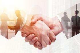 Customer Relationship Management (© peshkova / Fotolia.com)