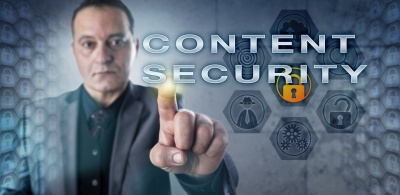 Male IT Consultant Touching CONTENT SECURITY (© leowolfert / fotolia.com)