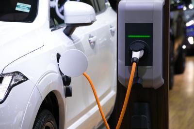 Electric Car (© navee / Fotolia.com)