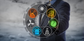 Operator Monitoring Power Network Applications (© leowolfert / Fotolia.com)