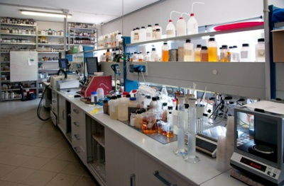Chemical laboratory (© Moreno Soppelsa / Fotolia.com)