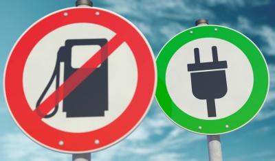 Electric cars (© Bluedesign / Fotolia.com)